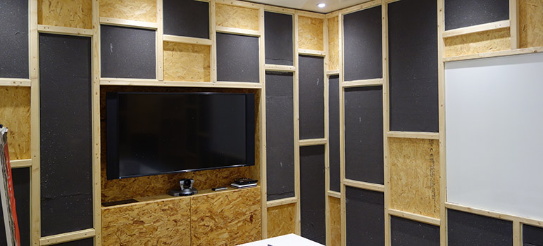 Sound absorbing foam in meeting room